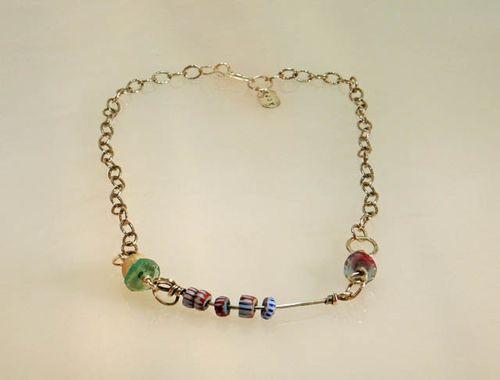 Bar w vintage beads