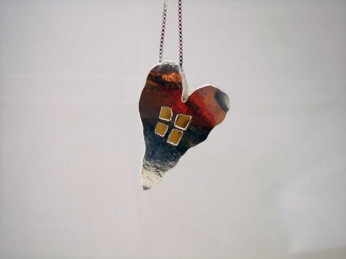 Hollow heart Window